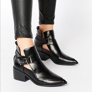 *NEW ASOS Leather Cut Out Pointed Ankle Boots Sz 8